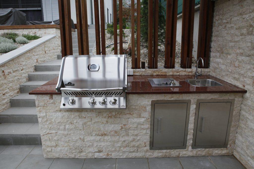 Vonkajšia kuchyňa FIREDESIGN s grilom Napoleon BIPRO 500